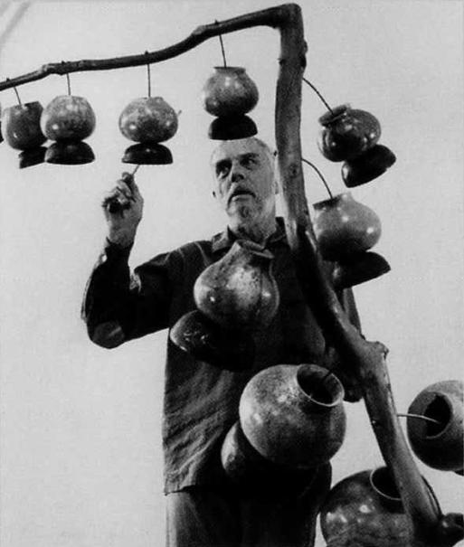 Harry_Partch_&_Gourd_Tree